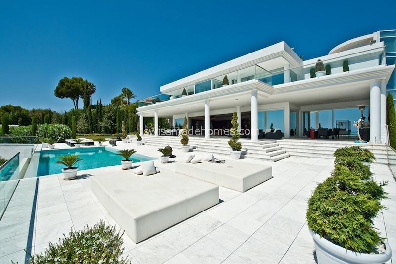 Moderne luxusvilla am meer mit pool  ZU VERKAUFEN - Moderne Luxusvilla in Spanien, MARBELLA - Goldene Meile